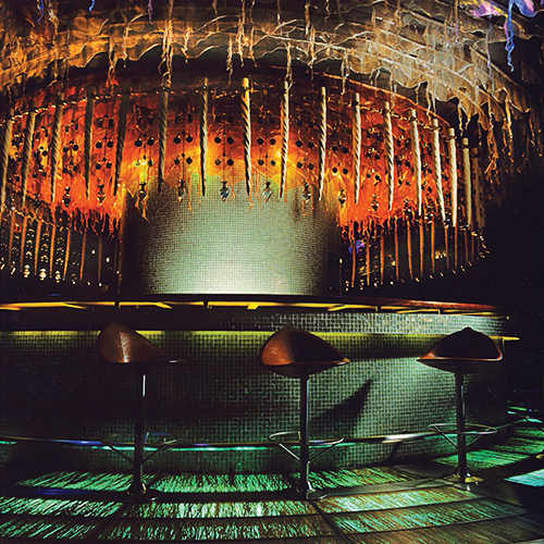 THE BAR AT THE END OF THE EARTH | CIRQUE DU SOLEIL